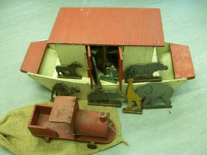1940s toy Ark and toy train, handmade in wartime from any materails to hand, treasured Christmas presents in wartime (Image: World War Zoo gardens project, Newquay Zoo)