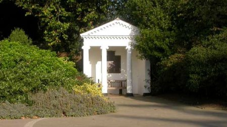 RBG Kew's war memorial, Temple of Arethusa, Kew (Image copyright : Kew website)