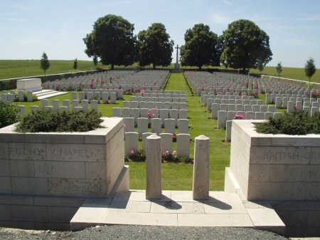 Once missing, Farries is now buried at Feuchy Chapel Cemetery. (Image: CWGC website)
