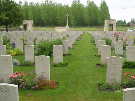 St. Vaast Cemetery (Image: CWGC website)