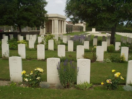 Vermelles Cemetery (Image: CWGC website)
