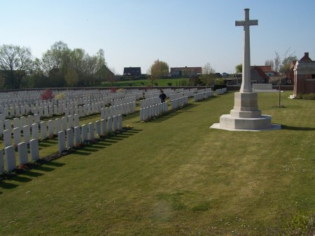 Ernest Lee's  grave lies in the rows to the right of the cross of sacrifice at Artillery Wood Cemetery, Ypres, Belgium. (Image www.cwgc.org)