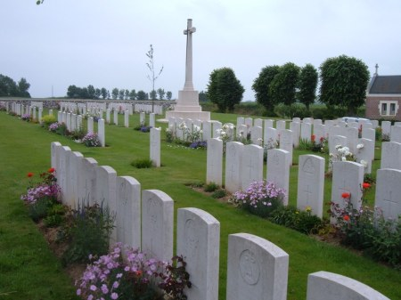 D.B. Fry is buried to the right of the cross of sacrifice in Beaumetz Crossraods cemetery. (Image: www.cwgc.org)