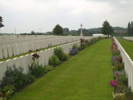 Chocques Military Cemetery  (Image: www.cwgc.org)