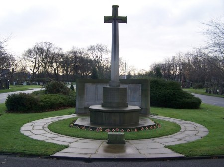 Gorton Cemetery's Cross of Sacrifice, a focus for the CWGC graves including William Turner's. Image: cwgc.org