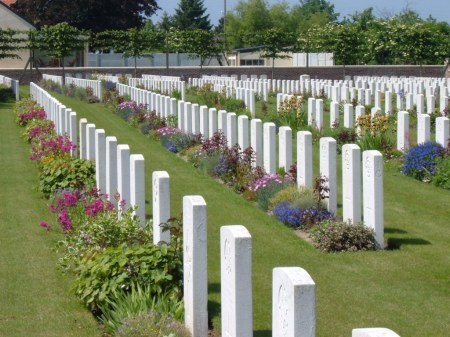 ZSL gardener Albert Staniford would no doubt in life have appreciated the efforts of the Commonwealth War Graves gardeners in this beautifully maintained cemetery where he lies buried, Maroc Cemetery, Grenay, France. Image: cwgc.org website