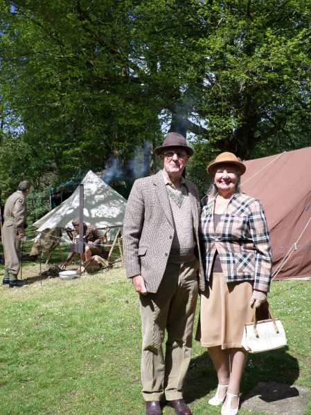 More stylish visitors to Trengwainton's 1940s day, 2014. Image WWZG