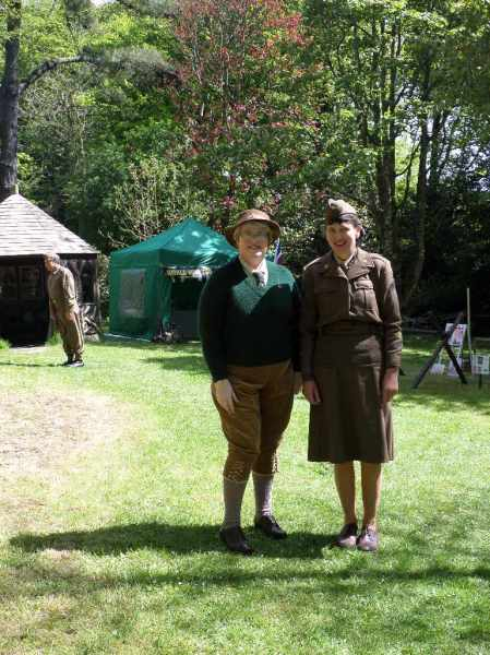Ladies in Khaki, Trengwainton, 2014.  Image - WWZG.