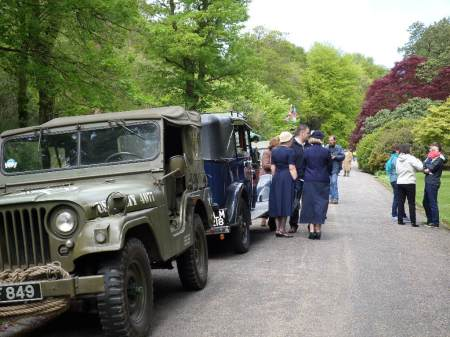 Vintage vehicles and costumes on the drive at Trengwainton, 2014. Image - WWZG.