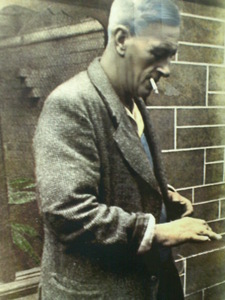 Herbert Whitley, trademark cigarette in mouth (Image source: Paignton Zoo website)
