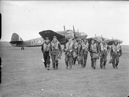 634px-Royal_Air_Force_Coastal_Command,_1939-1945._CH639