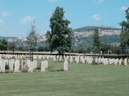 assisi-war-cemetery-2-cwgc-copyright